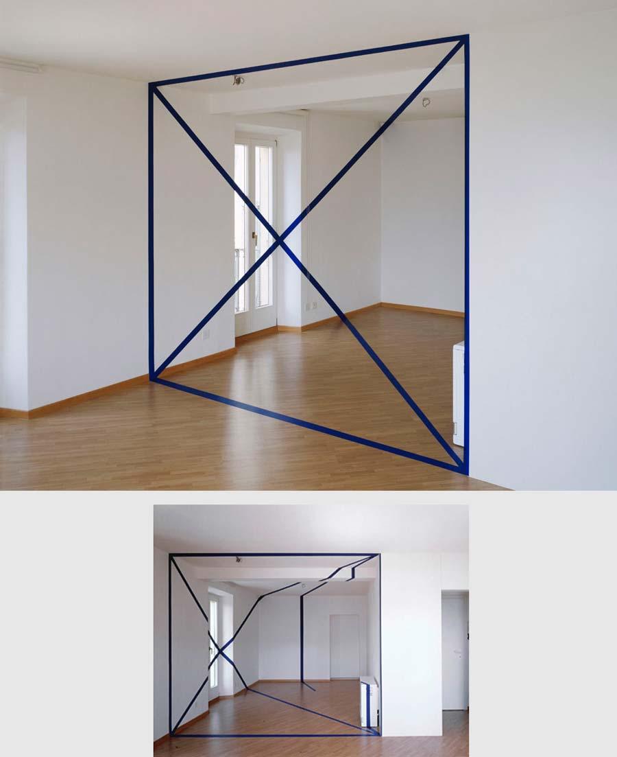 """Trapèze avec deux diagonale"""" en Suisse. © Felice Varini (1996)"""