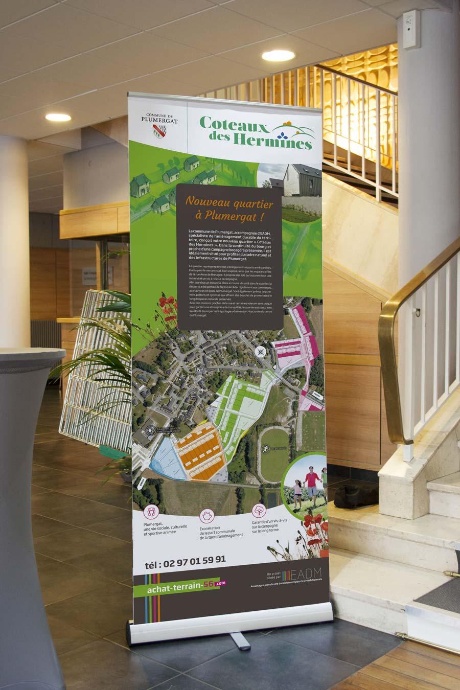Roll-up pour informer les citoyens et les prospects dans le hall de la Mairie.