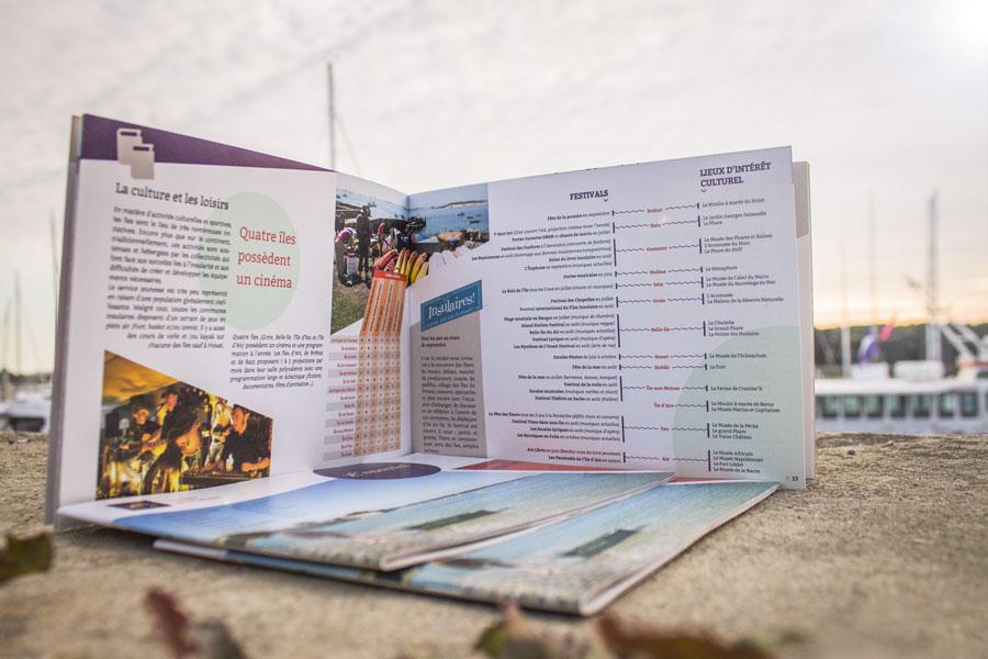Interieur du Guide essentiel des Îles du Ponant